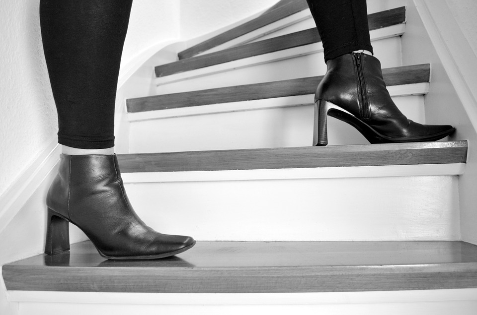 čižmy, nohy, schody