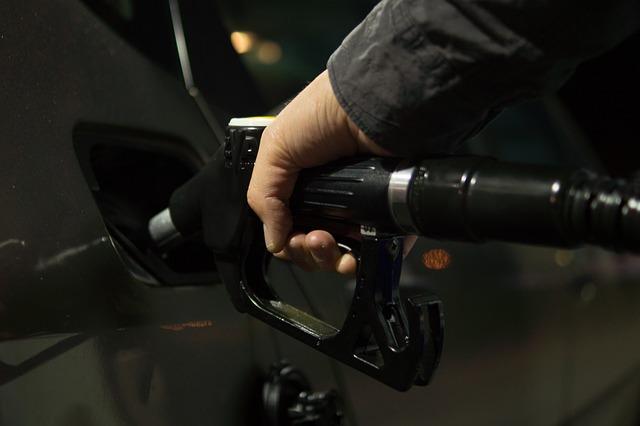 benzín.jpg