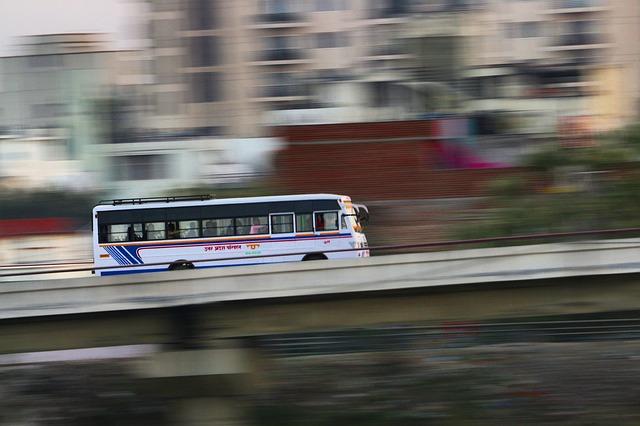 Autobus na cestách